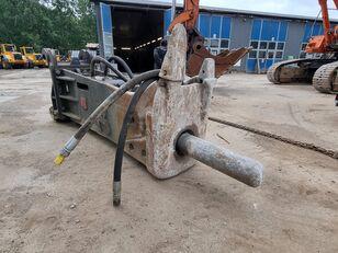 máy đào bánh xích HAMMER  RHB350 BA