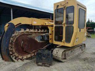 máy đào rãnh VERMEER  T555